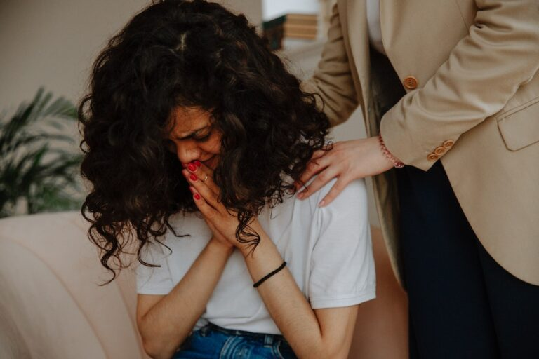 Borderline Personality Disorder Splitting: Symptoms & Care